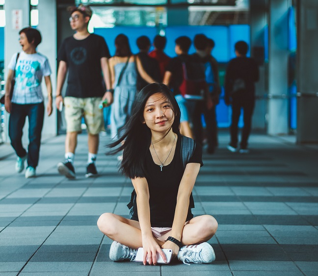 japanese girl in crowd